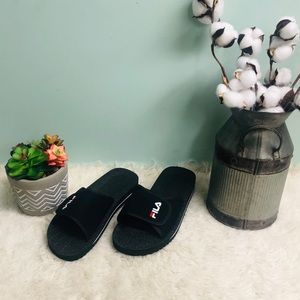 Fila Slip On Low Sandals (PM140)